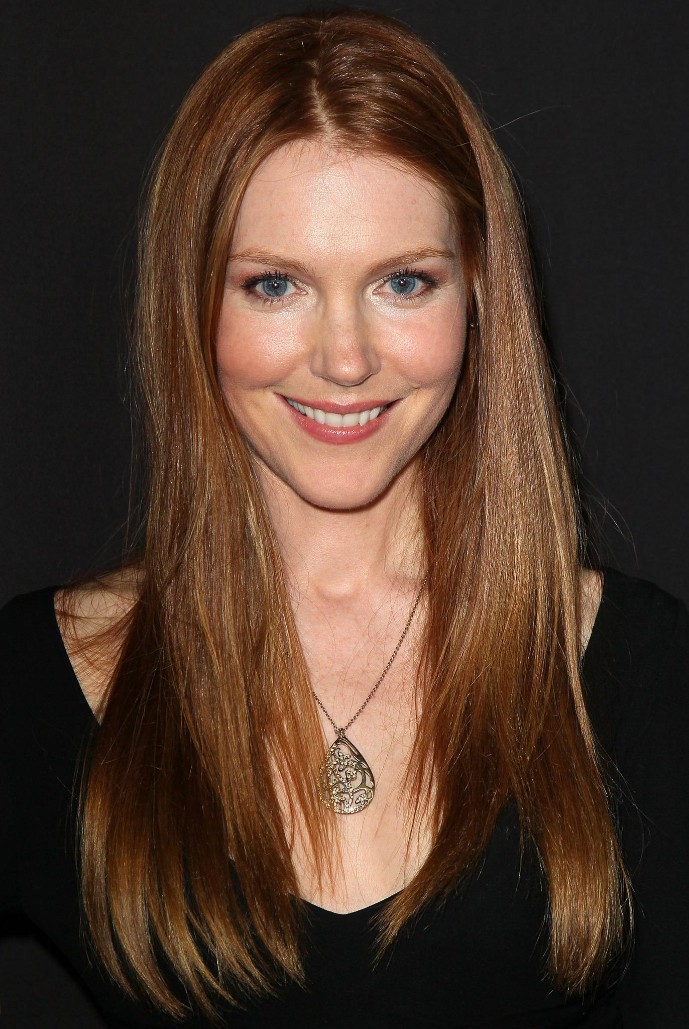 Darby Stanchfield Nude Photos 74