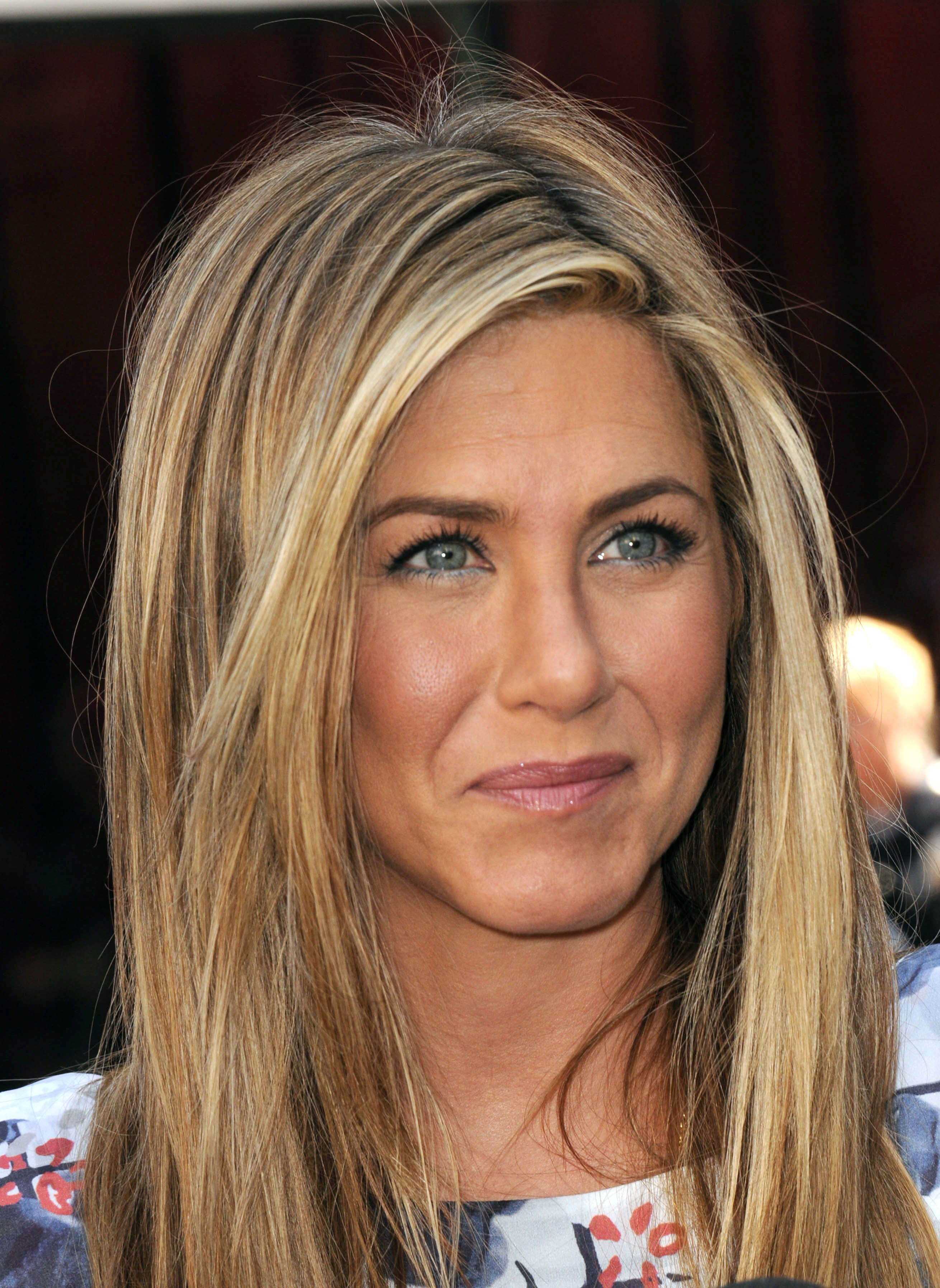 Jennifer Aniston #13