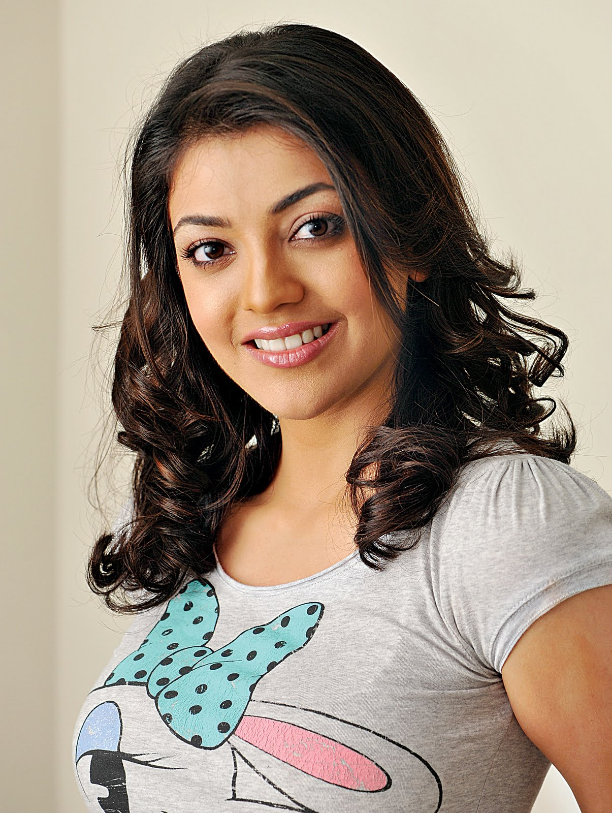 Download kajal-agarwal-2.jpg