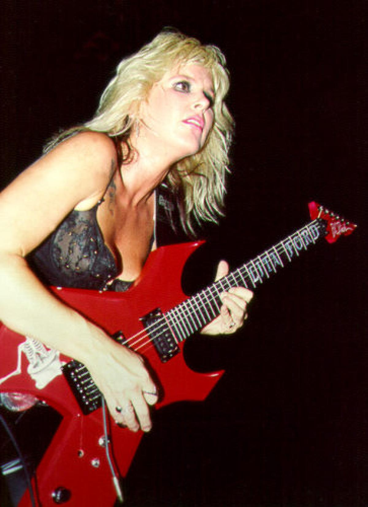Lita Ford - photos, news, filmography, quotes and facts - Celebs Journal