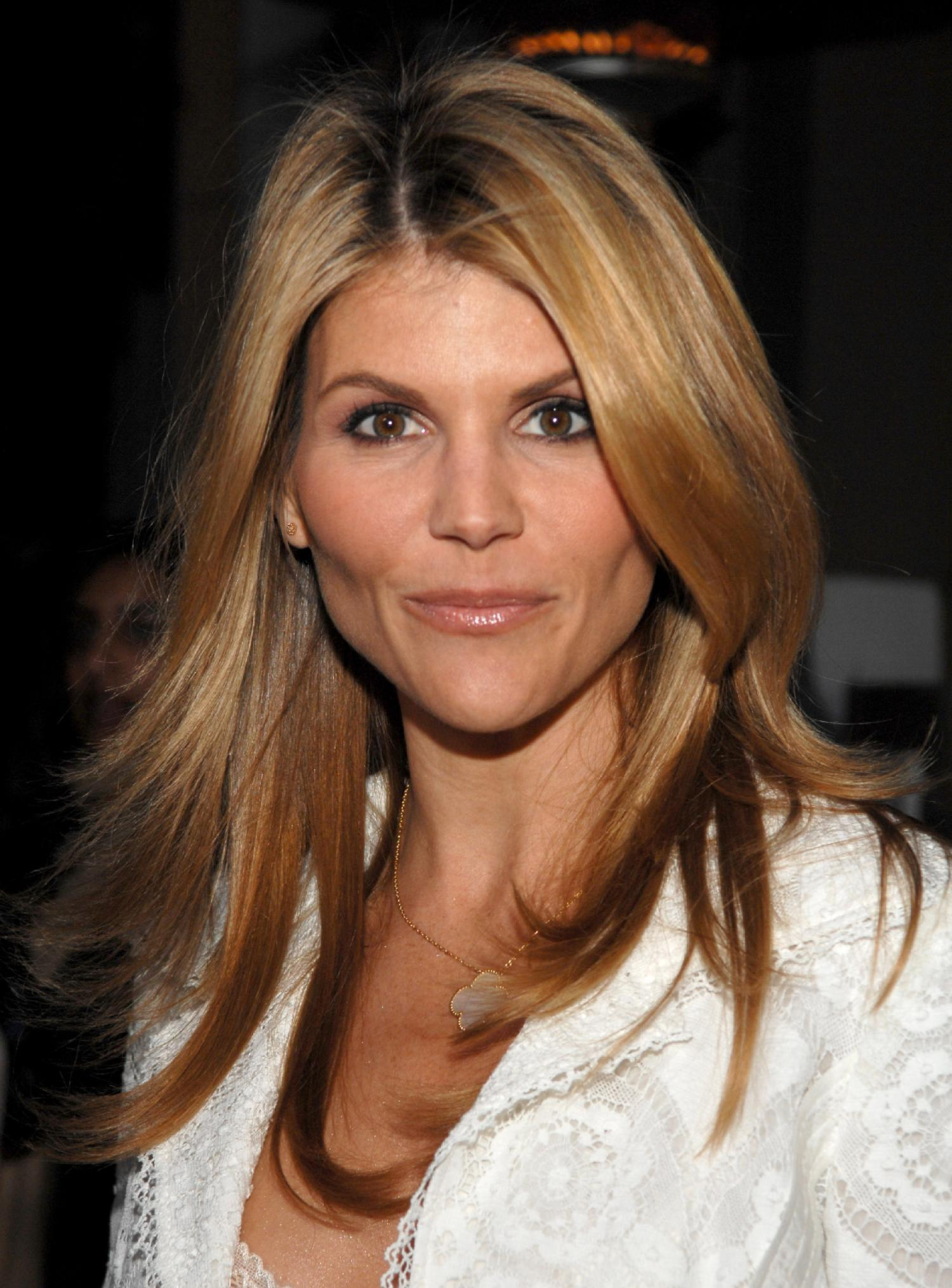 lori loughlin - photo #45