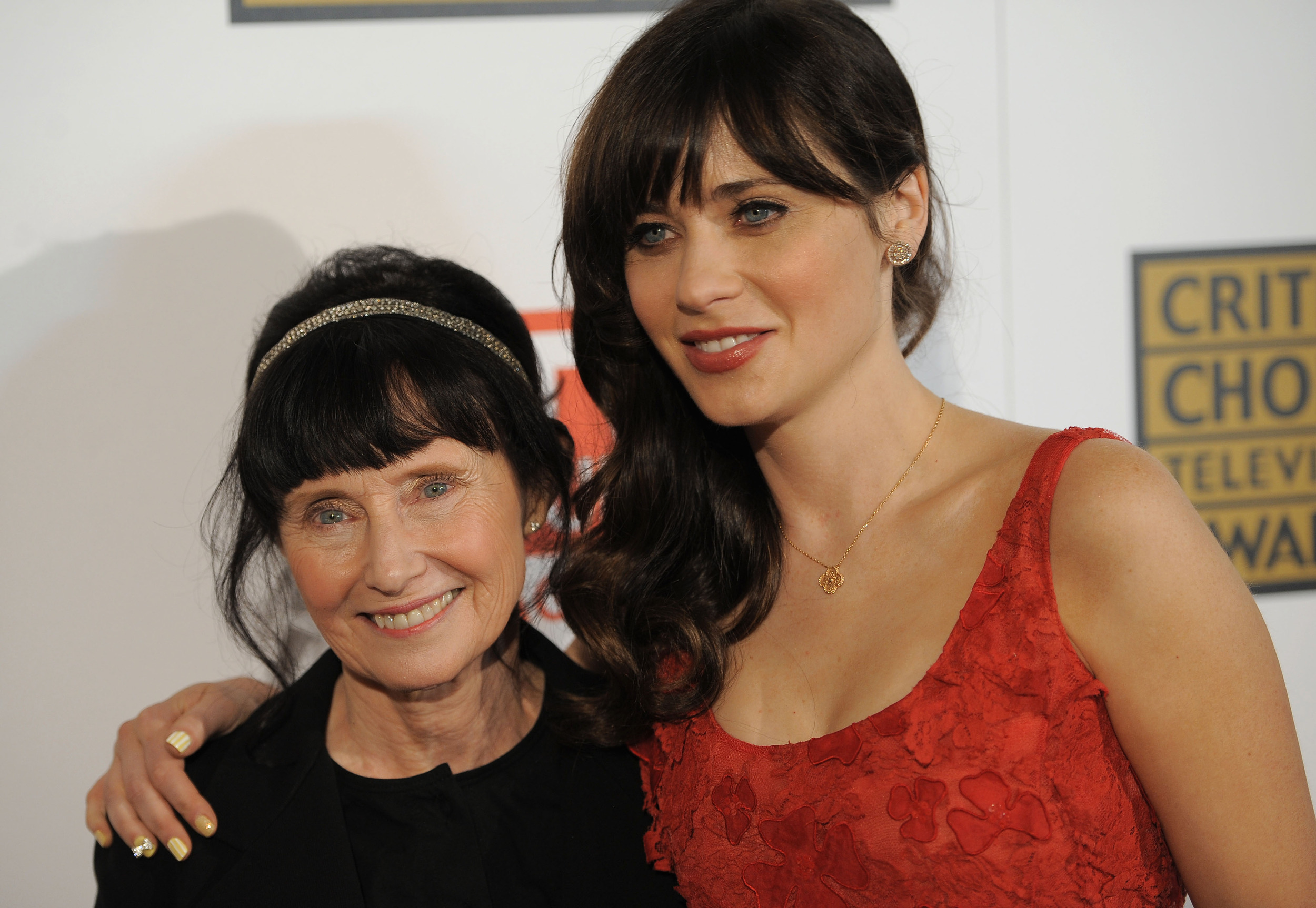 Mary Jo Deschanel #6